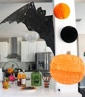 http://www.akailochiclife.com/2015/10/craft-it-tissue-paper-pumpkin-and-bat.html