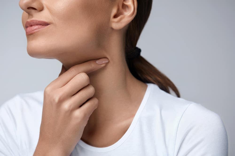 Nama antibiotik radang tenggorokan dewasa saat menelan