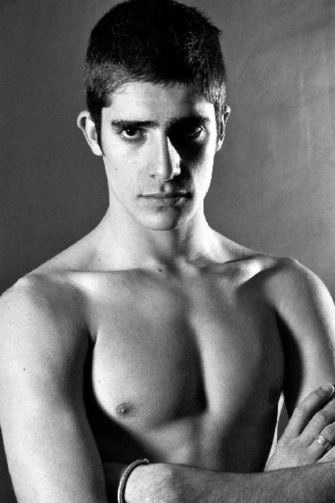 Alberto Ferreiro Nude 16