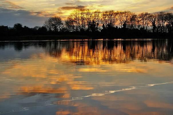 صور رائعه لجمال السماء وصفاء الماء image045-771286.jpg