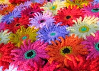 Manta primavera flores margaritas de ganchillo