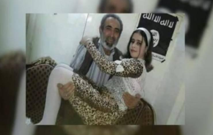 """شاهد ماذا فعل تنظيم داعش بطفلة إيزيدية! """"كنت أراهم يغتصبون النساءَ والفتياتِ أمامي ..""""!"""