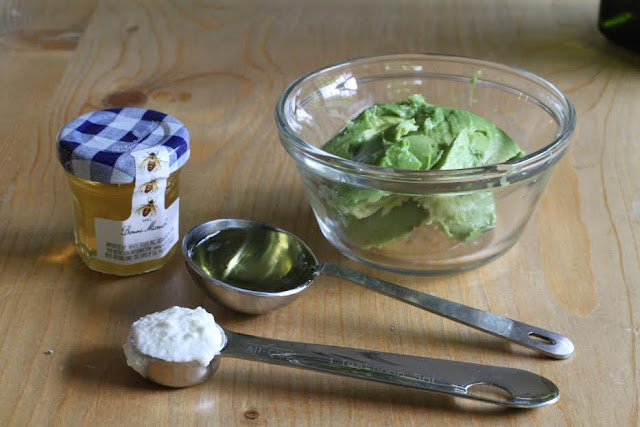 Cách làm trắng da mặt nhanh và hiệu quả nhất từ quả bơ