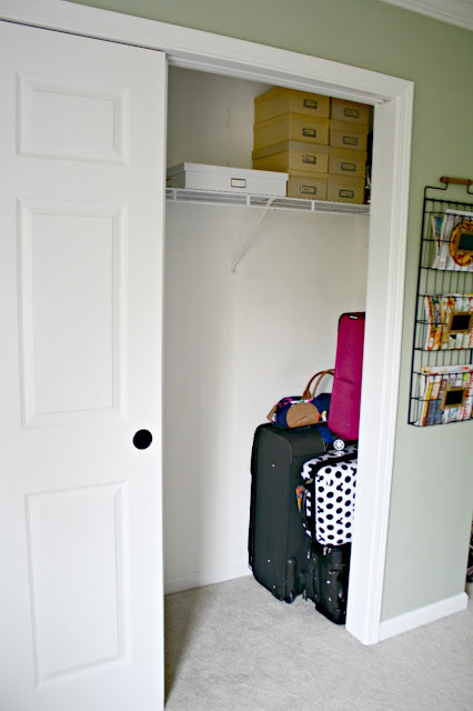 How we organize our extra guest closet