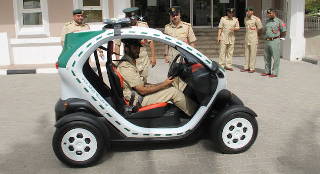 Coches de policía de Dubai - police car - Renault Twizy