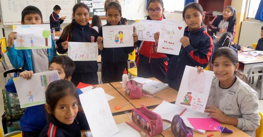 Más de 14 mil escolares de Ica aprendieron y difunden derechos de población adulta mayor