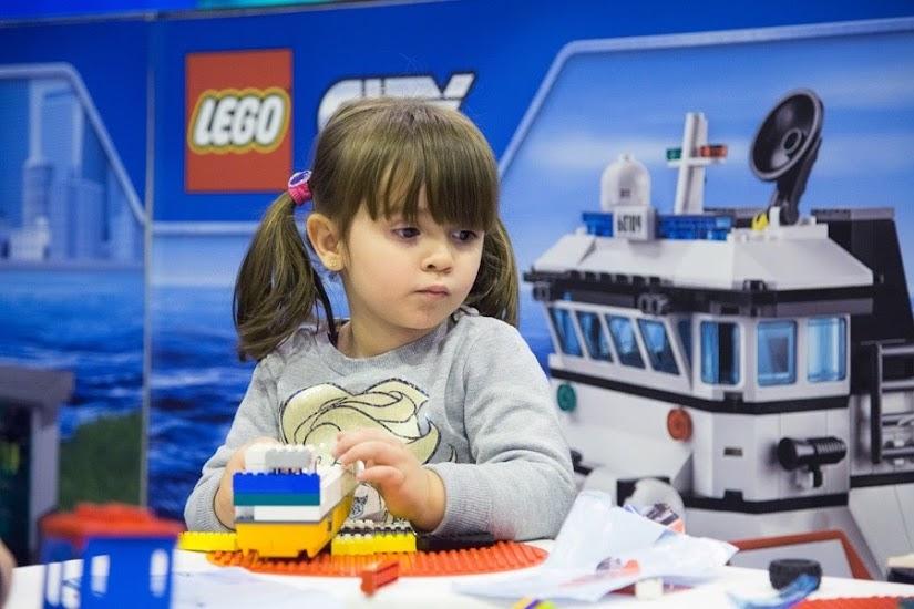 Actividades LEGO en JUVENALIA