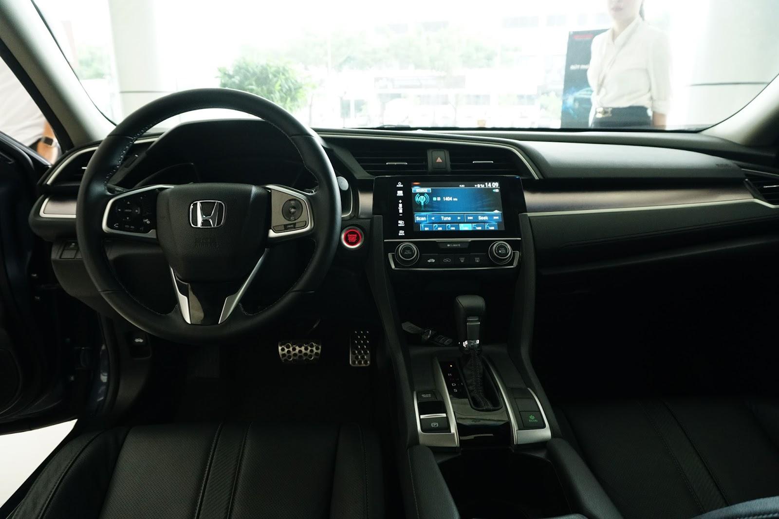Honda Civic 2016 là chiếc xe thông minh, toàn nhất trong phân khúc