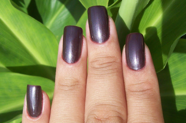 Esmalte Black-out, Risqué