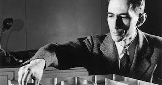 """تحتفل جوجل بذكري 100 عام علي """" كلود شانون """" ..... مؤسس الثورة الرقمية"""
