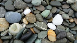 Batu-batu kecil