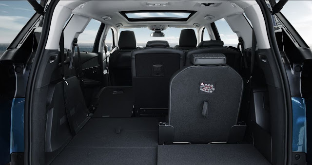 Asientos plegables para mayor amplitud en el interior de la nueva Peugeot 5008 2017