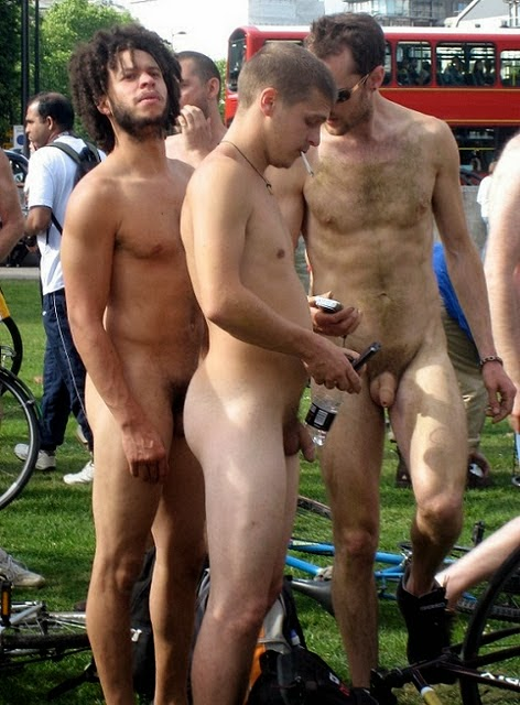 Agree, beautiful men naked in public