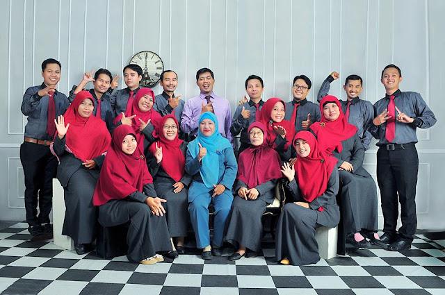 Staff dan Guru SMPM13 Surabaya