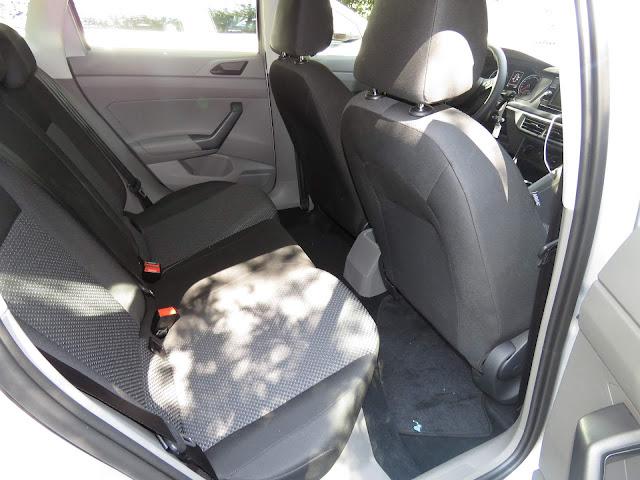 VW Polo 2018 - espaço traseiro