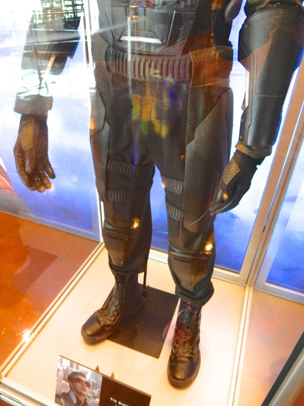 X-Men Apocalypse Cyclops legs boots costume detail