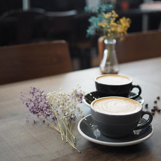 flat white and latte singapore montana brew bar