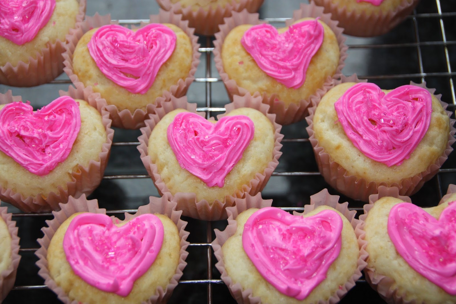 Everyday Sisters Heart Shaped Cupcakes Using A Regular
