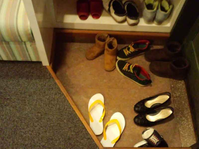 shoes, shoe shelves, flip-flops