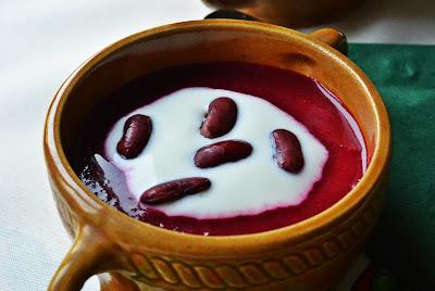 Kremowa zupa z buraków i czerwonej fasoli