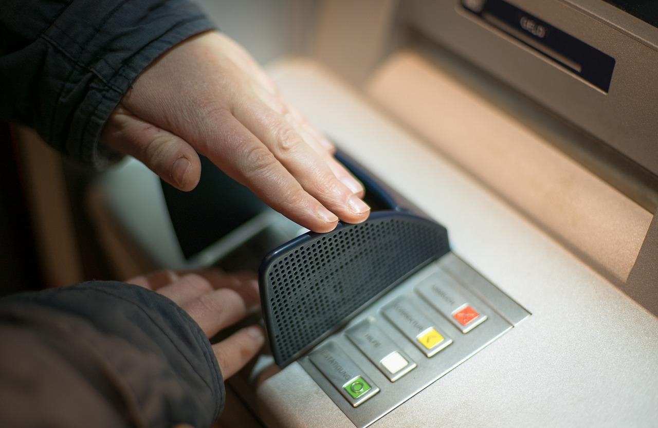 Cara Memblokir Kartu ATM Mandiri yang Hilang atau Tertelan Mesin