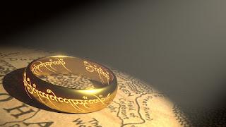 Laki-laki Memakai Perhiasan Emas