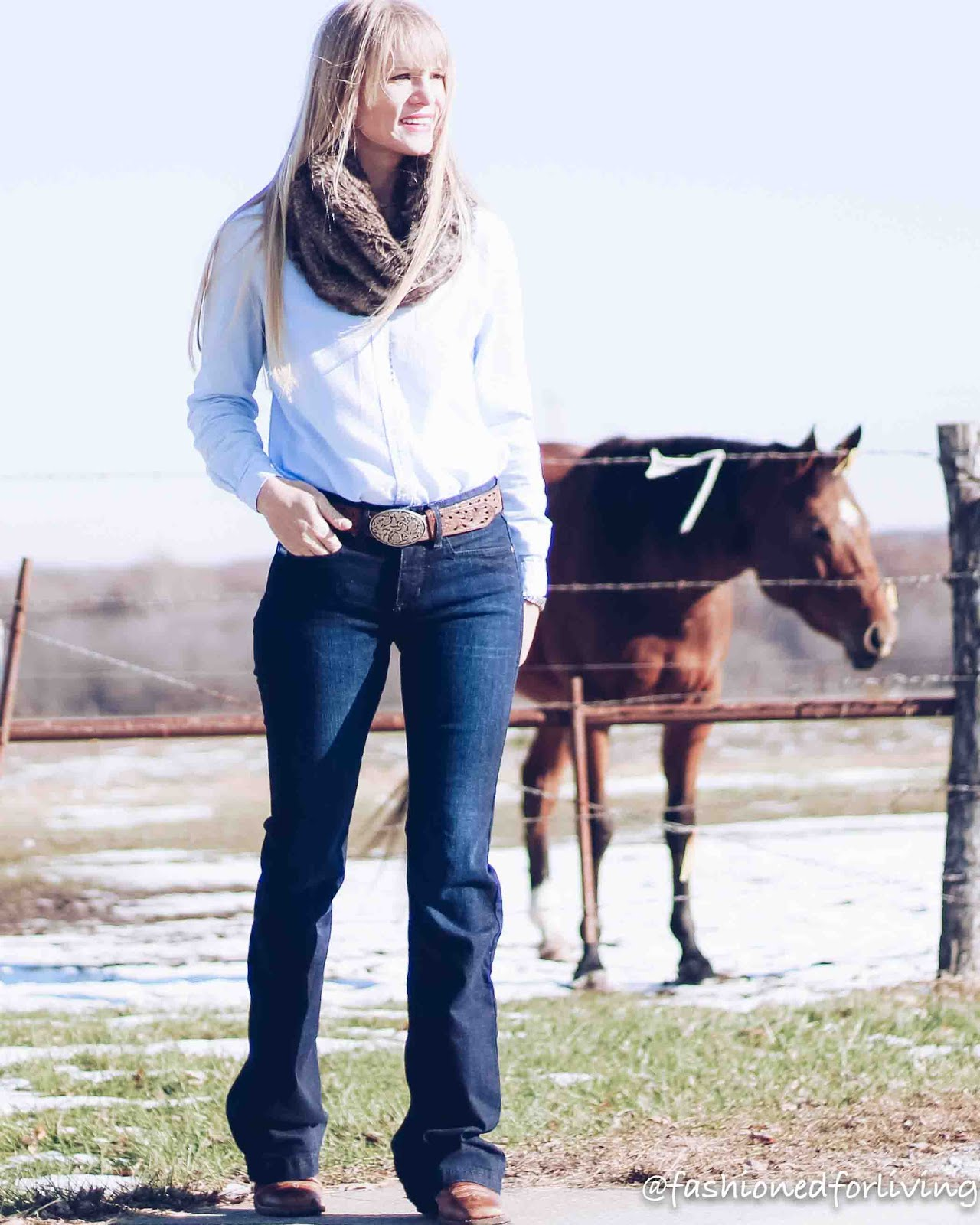 womens western jeans outfit with square toe ariat boots