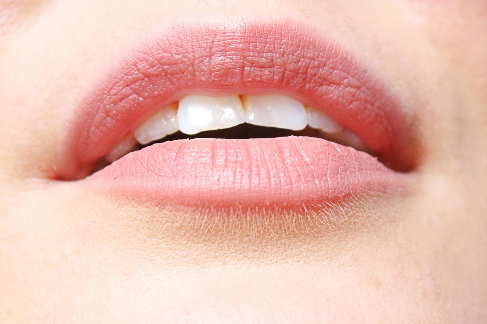 Rich-Hydratation-Lipstick-StudioMakeup