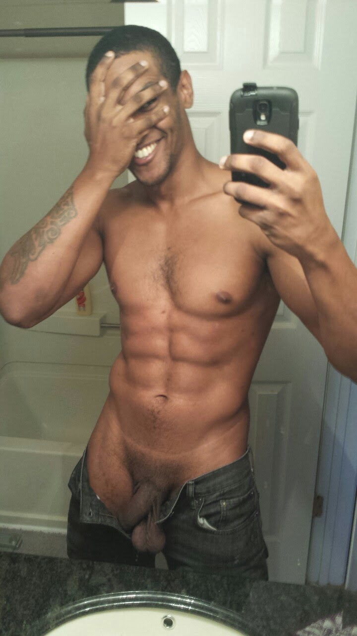 Young Male Nude Selfies
