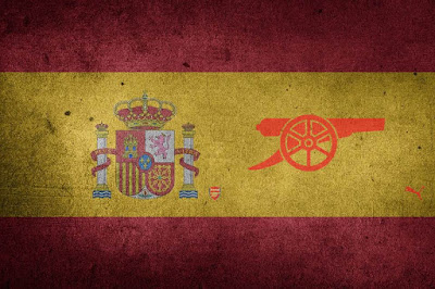 Spanish flag with Arsenal cannon
