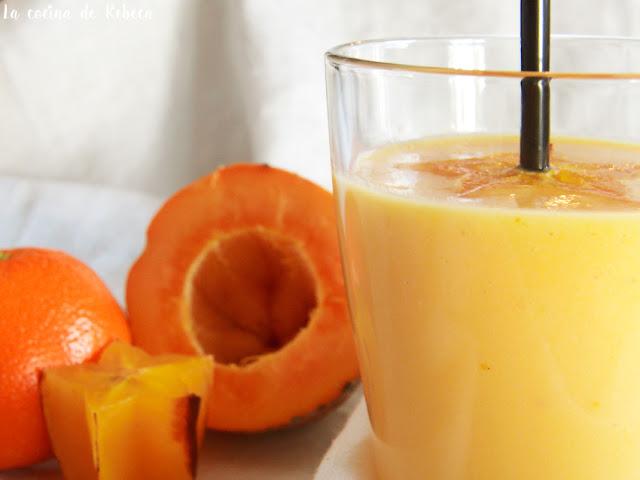 Smoothie de papaya, carambola y mandarina