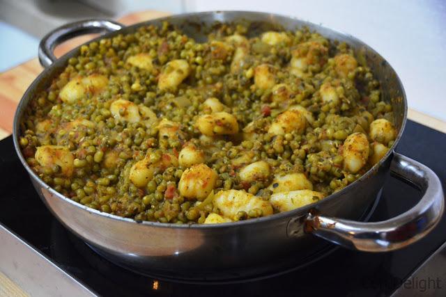 תבשיל חורפי מחמם של שעועית מאש winter casserole of mung beans