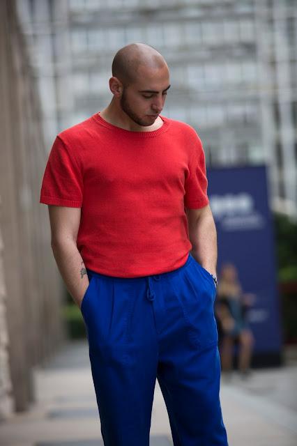 come vestirsi con un outfit colorato maschile