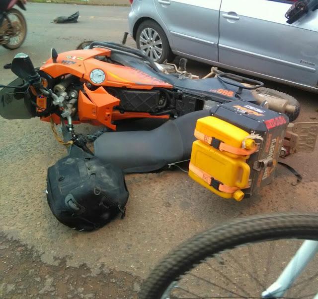 Motociclista morre ao colidir contra carro que cruzou BR 364 em Cacoal