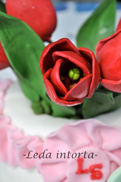 torta per san valentino, torta pasta di zucchero, leda intorta