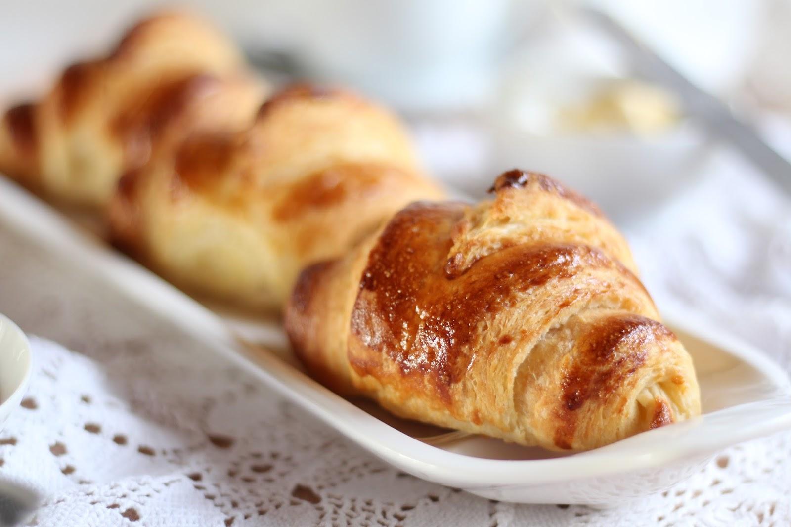 Croissants zum Osterbrunch - das Rezept findet ihr auf dem Blog