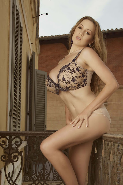 Jordan-Carver-PIAZZA-Photoshoot-hot-sexy-picture-22