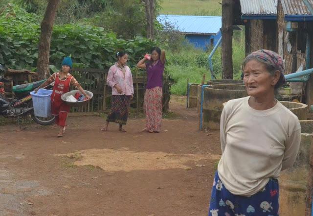 အိခ်ယ္ရီေအာင္ (Myanmar Now) ● ဒုကၡသည္စခန္းထဲလိုက္လာတဲ့ အသံတိတ္ရာဇဝတ္မႈ