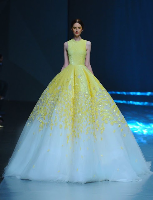 Vestido de novia de color amarillo - Foto: www.fashionbride.wordpress.com