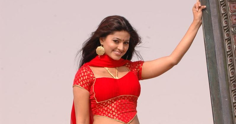 Sneha Latest Beautiful Hot HQ Stills From Murattu Kaalai