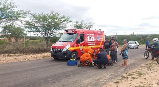 Em Delmiro Gouveia, homem fica ferido após cair de moto na AL-220