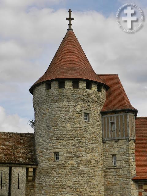 HATTONCHATEL (55) - Château
