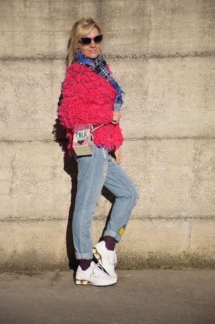 outfit jeans boyfriend strappati come abbinare i jeans boyfriend strappati mariafelicia magno fashion blogger colorblock by felym fashion blog italiani blog di moda blogger italiane di moda web influencer italiane