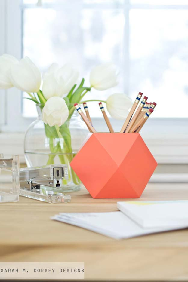 10 Irresistible DIY Crafts For Your Desk Decor You'll ...