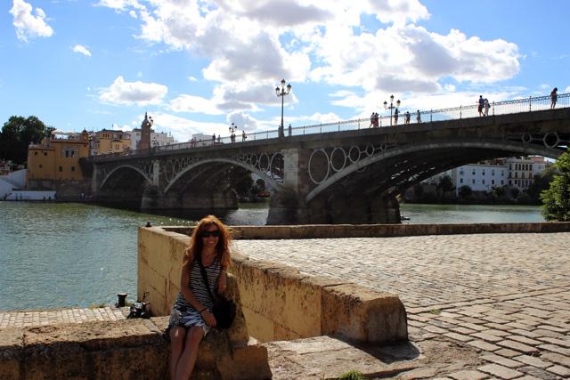 El Puente de Isabel II, camino al barrio de Triana