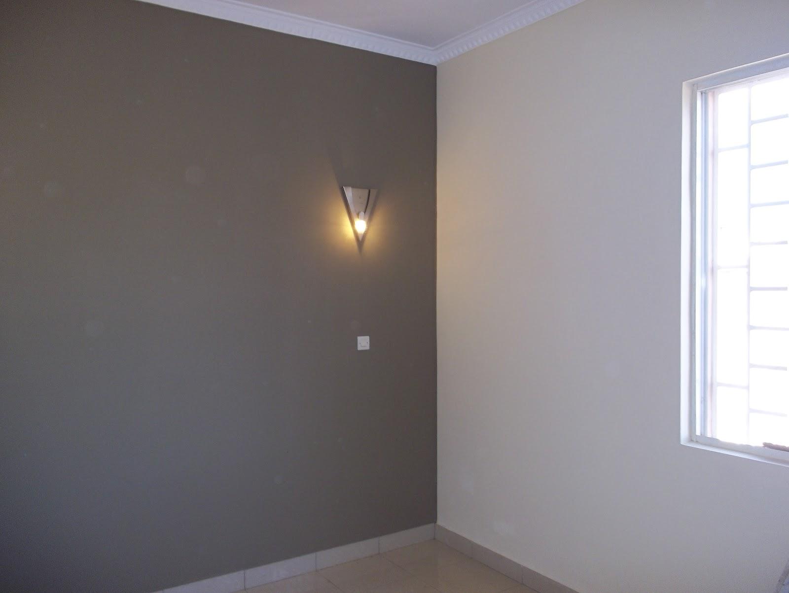 Maisons madagascar r novation et peinture - Couleur salon gris taupe ...