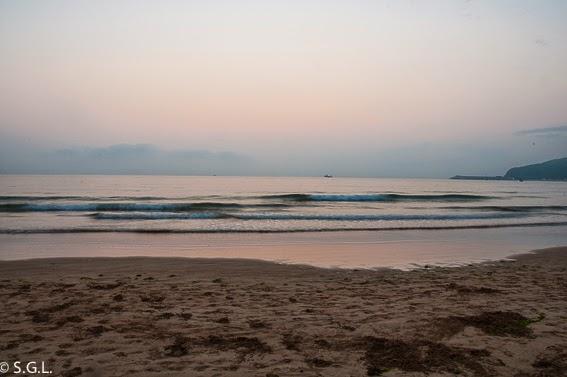 Amanecer en la playa de Laredo. Cantabria. Blogersando