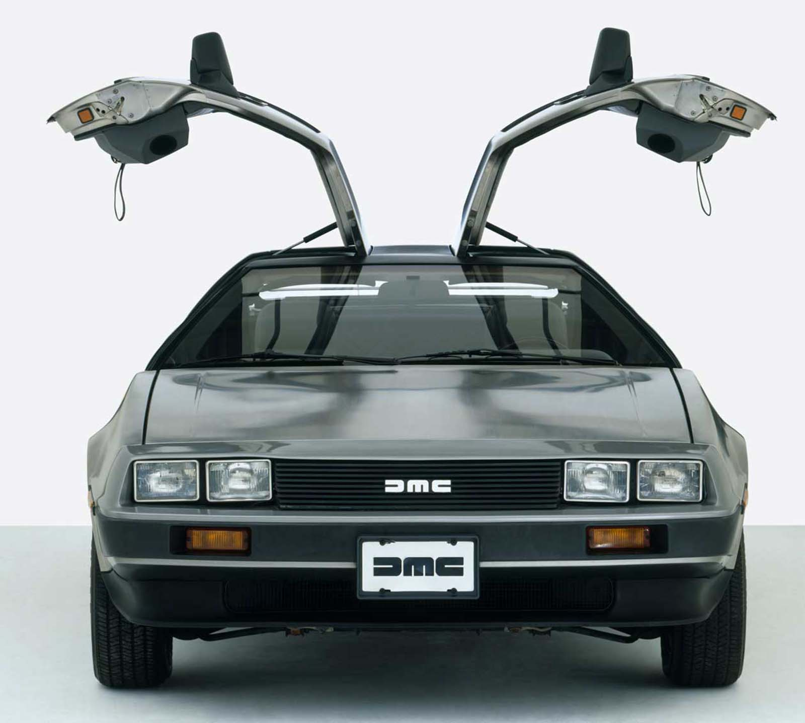 The DeLorean front on. 1981.