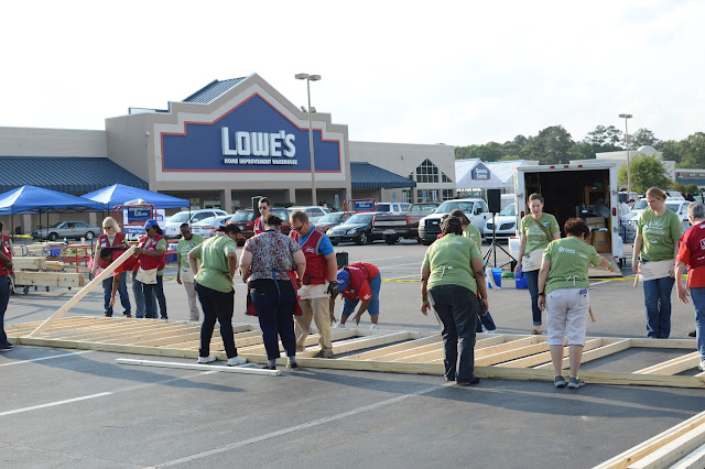 Girls' Night Out with Habitat for Humanity and Lowes: Women Build Week