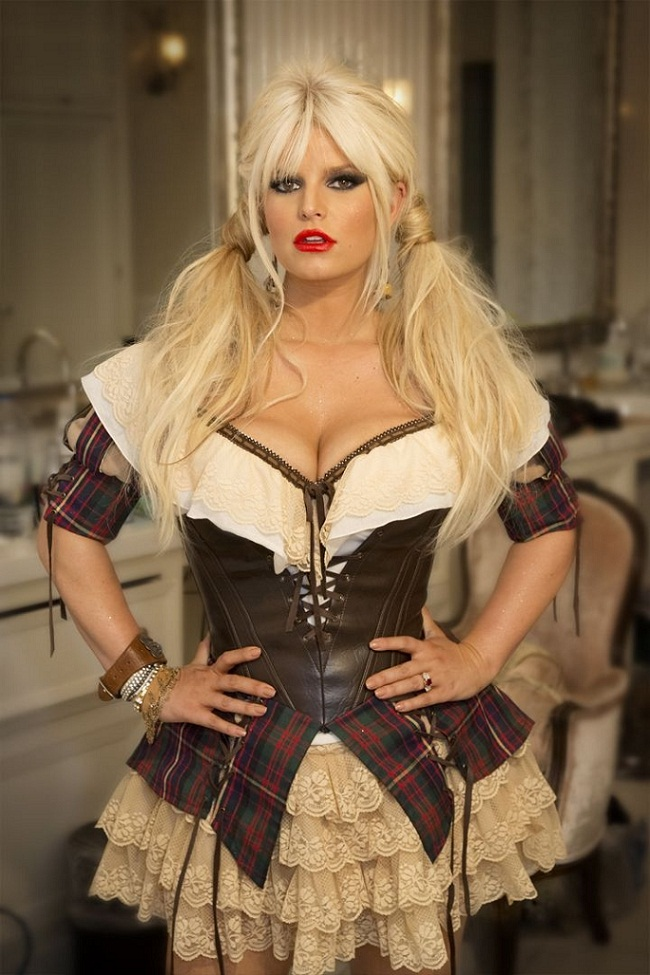 Jessica Simpson poses in Halloween costume